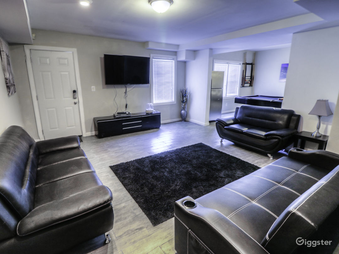 Private Entry Basement Close to Airport/Downtown!! Photo 3