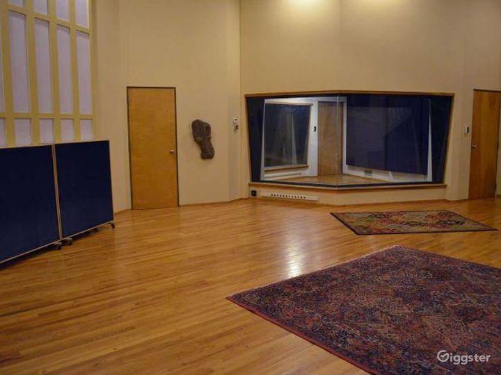 Spacious Recording Studio and Production Facility Photo 4