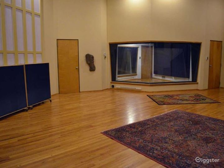 Spacious Recording Studio and Production Facility Photo 5