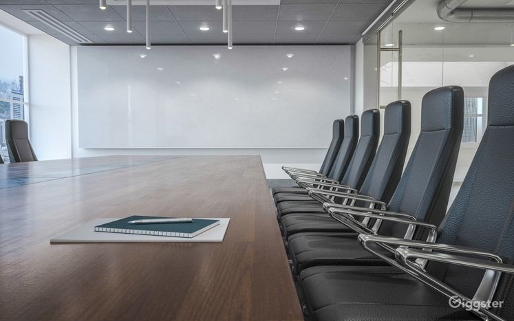 High-Quality Corporate Conference Room in Houston Photo 1