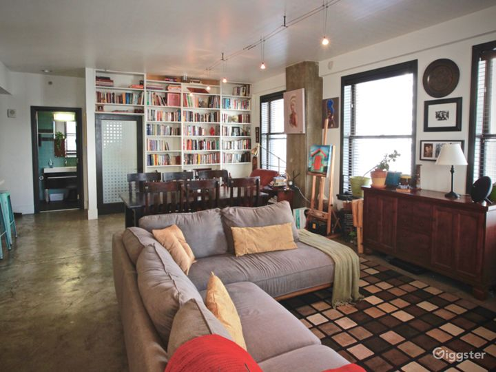 Artsy, Chic and Urban Loft in Historic DTLA