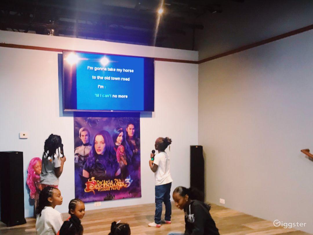 Enjoyable Hang-Out Spot Karaoke / Dance Area Photo 1