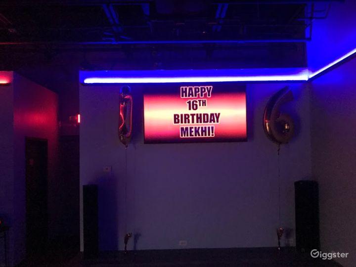 Enjoyable Hang-Out Spot Karaoke / Dance Area Photo 4