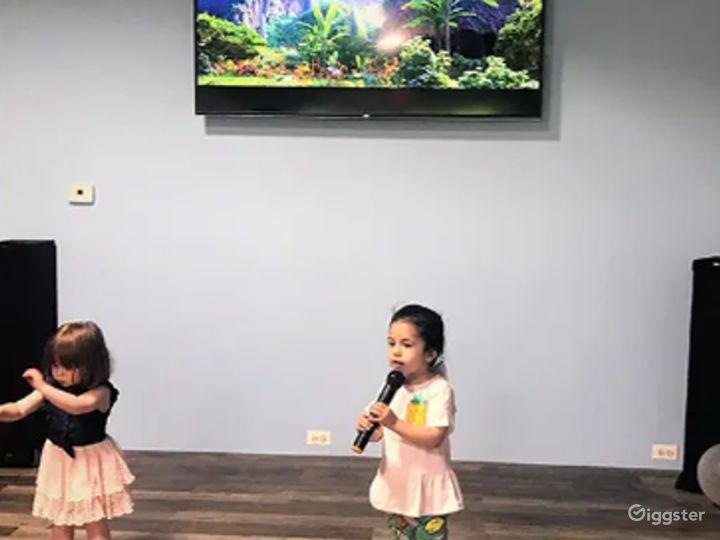 Enjoyable Hang-Out Spot Karaoke / Dance Area Photo 5