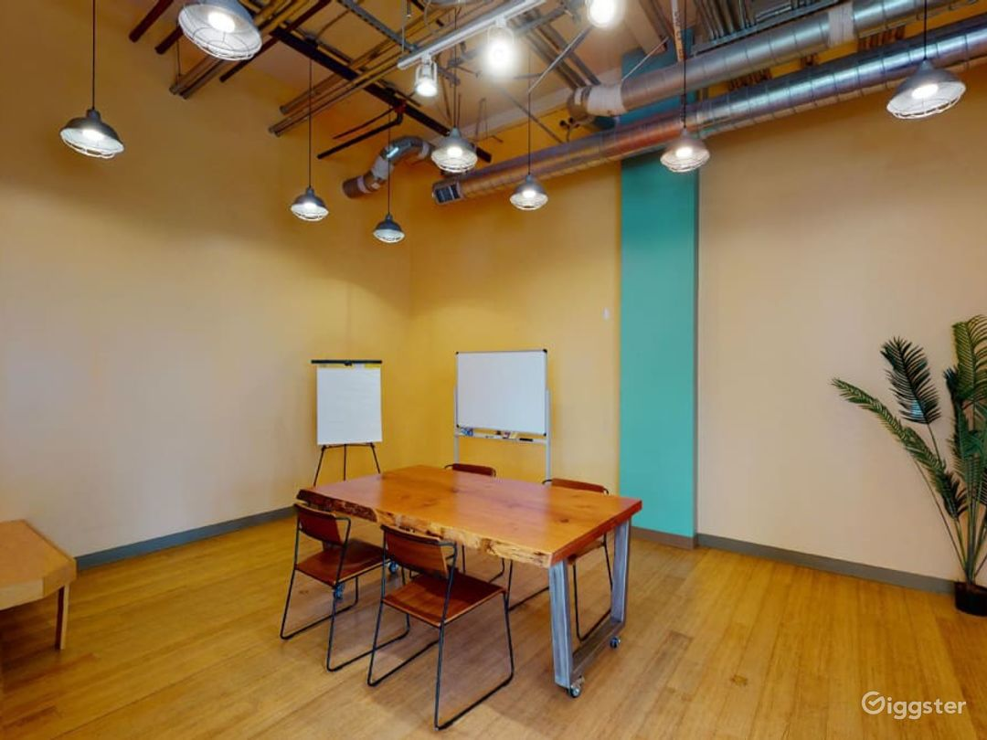 Sunlit space for pop ups and meetings Photo 1