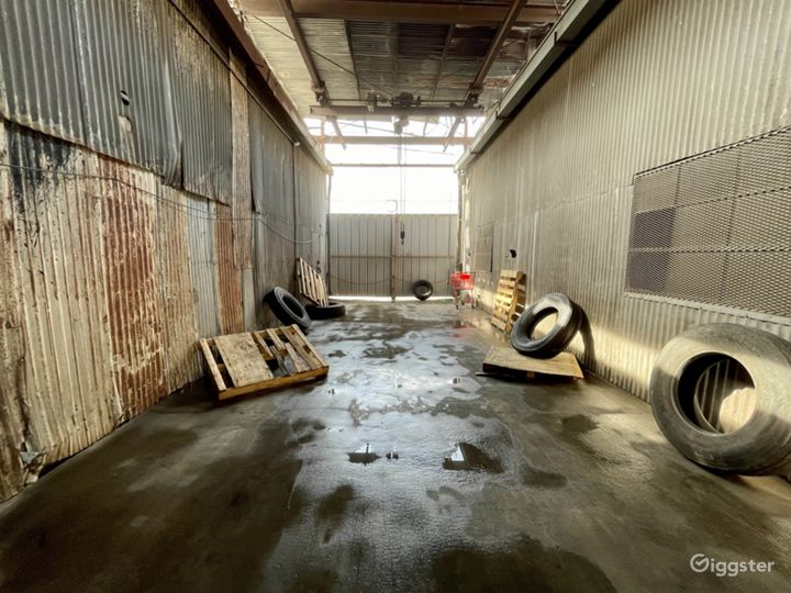 Industrial Alley Set Photo 3