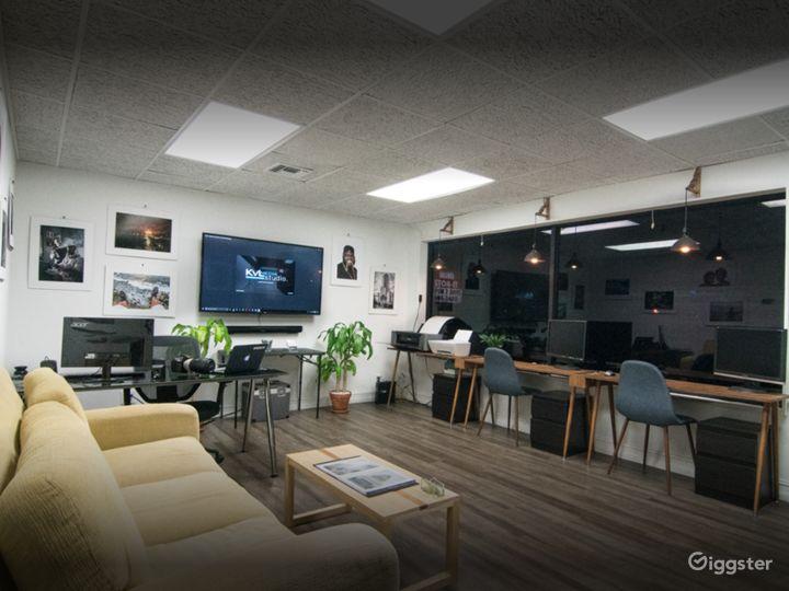 Cozy Studio in West Palm Beach with Cyc Wall Photo 5