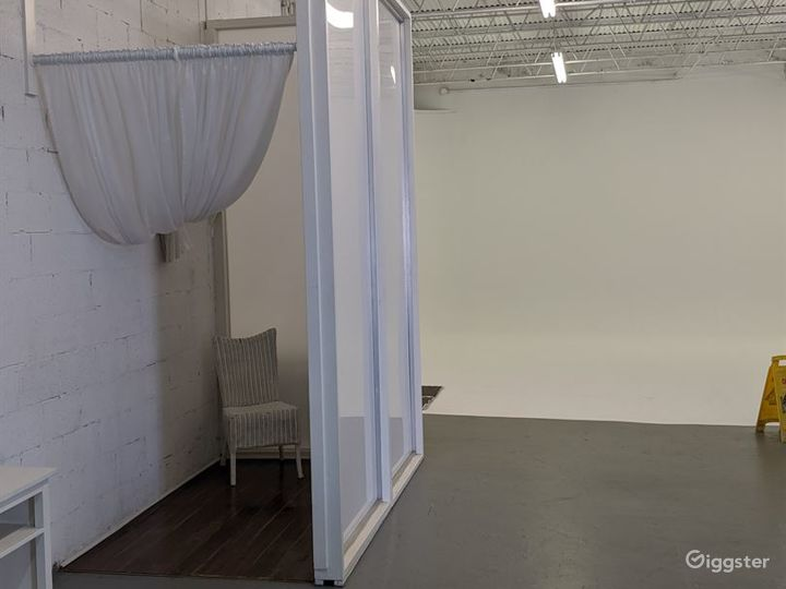 Spacious and Multifunctional Studio with Infinity Cove  in Miami Photo 3