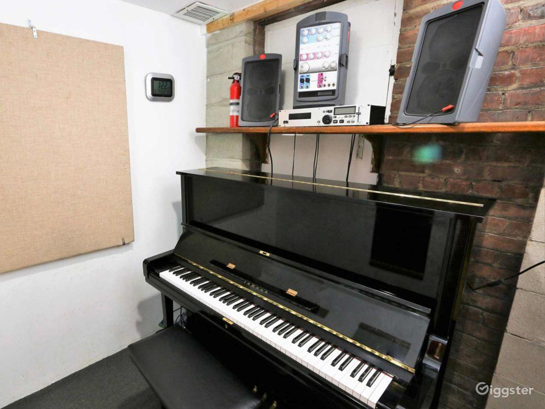 Small Private Studios D/E/F/G/H in NY Photo 1