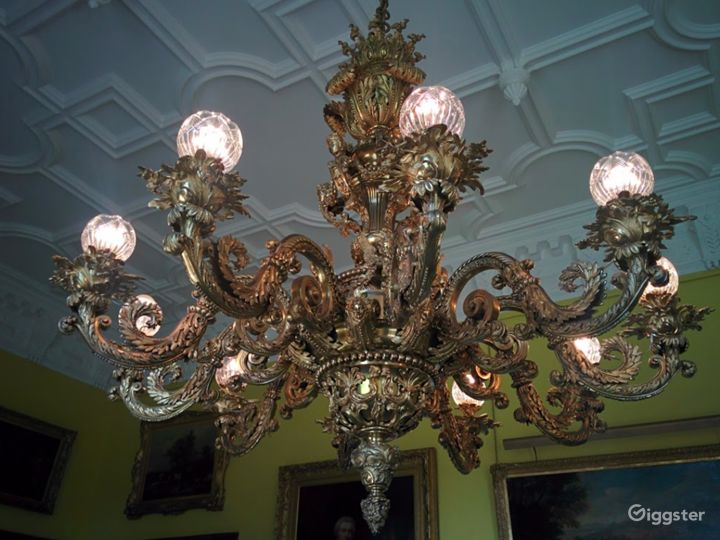 Delightful Dining Room in Stafford Photo 4