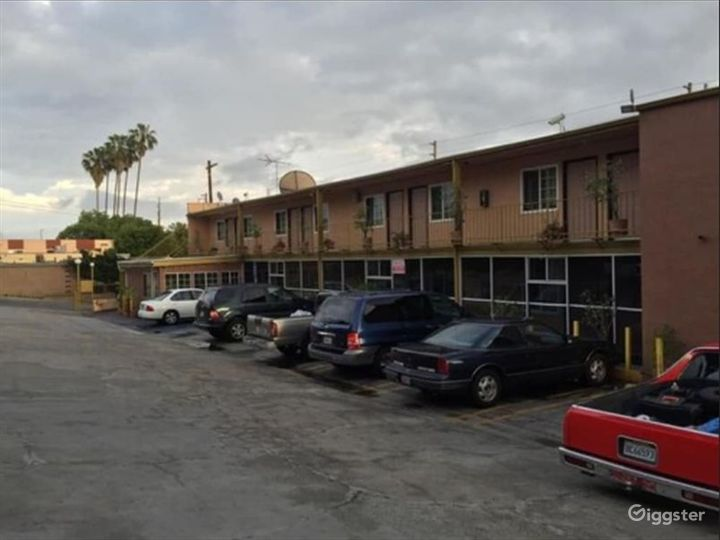 Spacious and Flexible Parking Lot in LA Photo 4