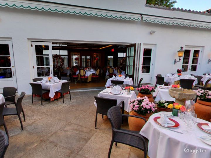 A Rustic Restaurant in Palm Beach - Buyout Photo 5