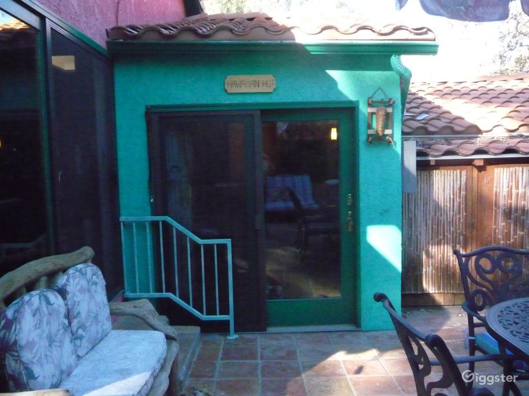 Hawaiian Hut entrance
