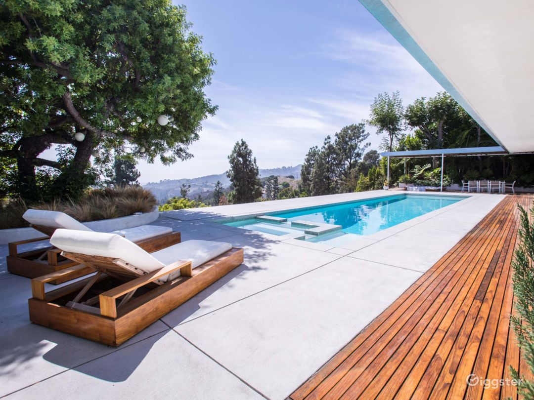 Mid Century House located in the Hollywood Hills  Photo 4