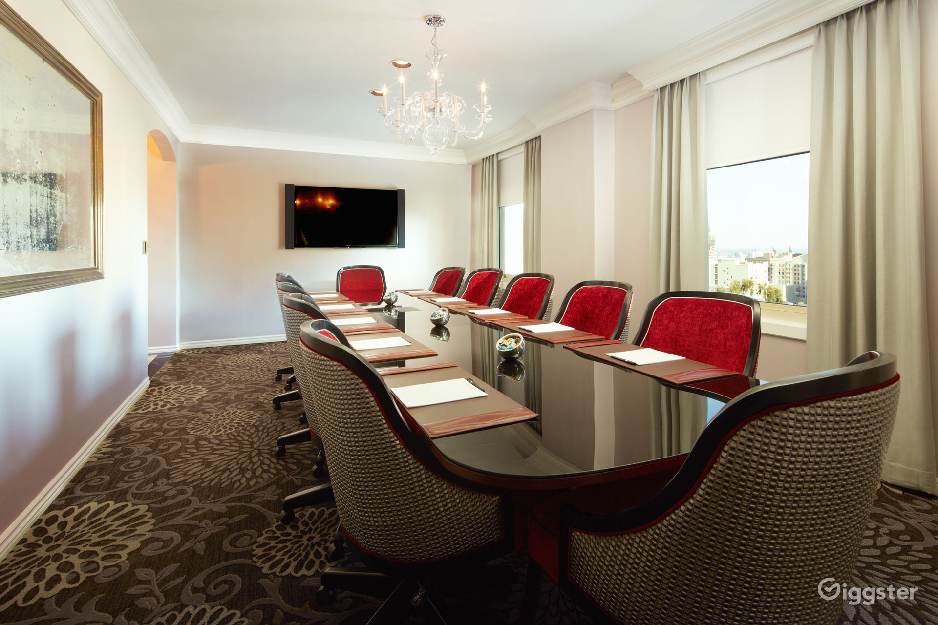Private Boardroom with Breathtaking Views Photo 1