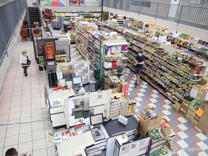 Huge Food market  Photo 4