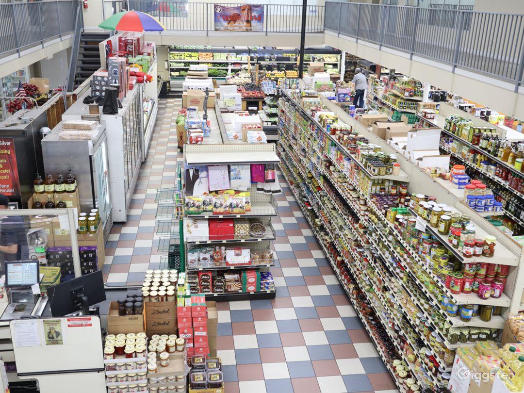 Huge Food market  Photo 1