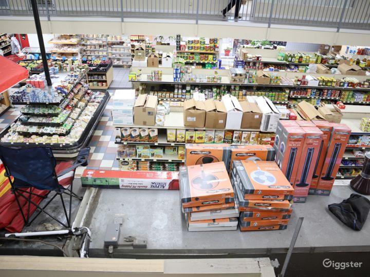 Huge Food market  Photo 2