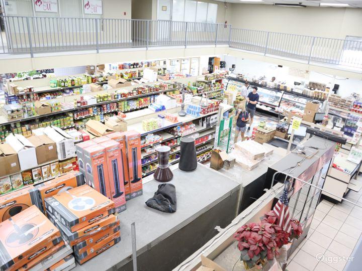 Huge Food market  Photo 3