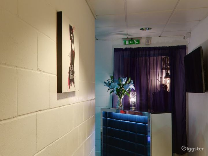 Dance Studio with access to Luxury Lounge in London Photo 4