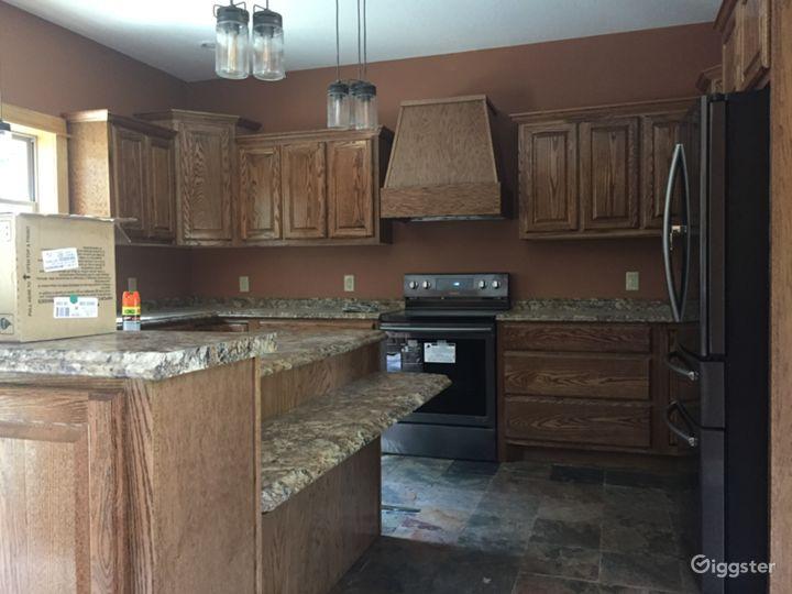 Kitchen island & cabinets