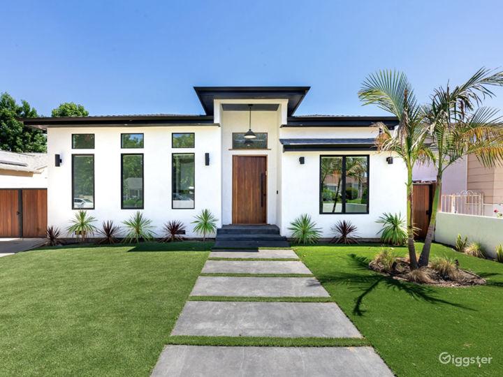 Modern Home Photo 2
