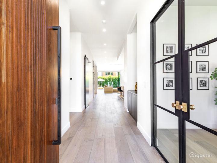 Modern Home Photo 4