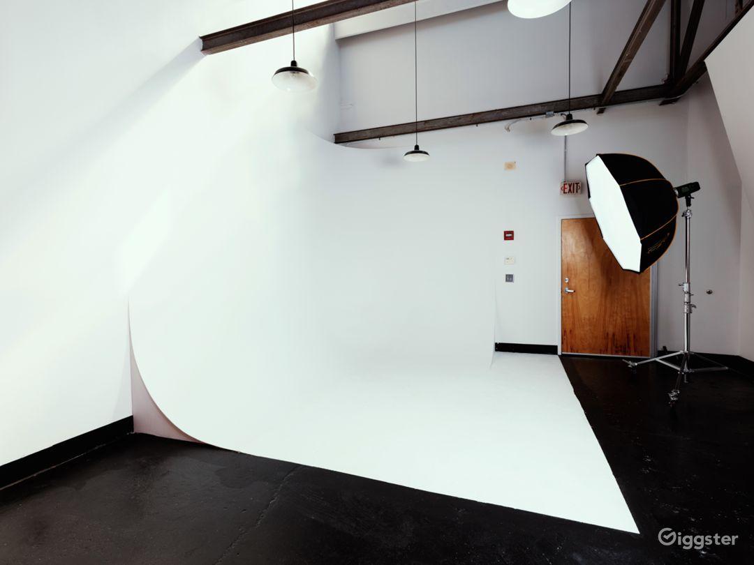 Studio A- Cyclorama Wall Photo 1