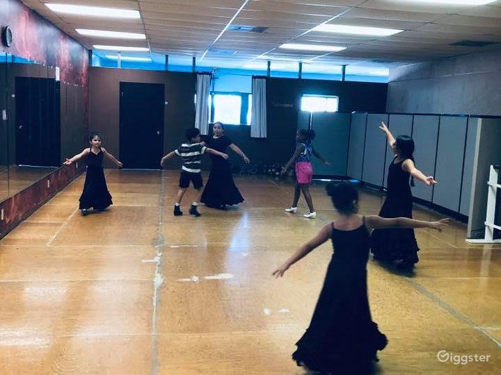 San Antonio's Glamorous Dance Studio A  Photo 2