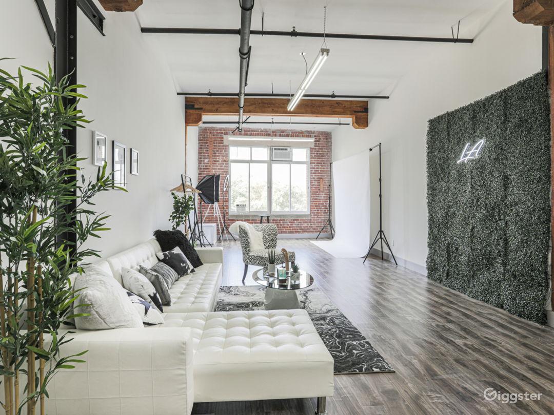 Urban DTLA Studio with Natural Lighting Photo 1