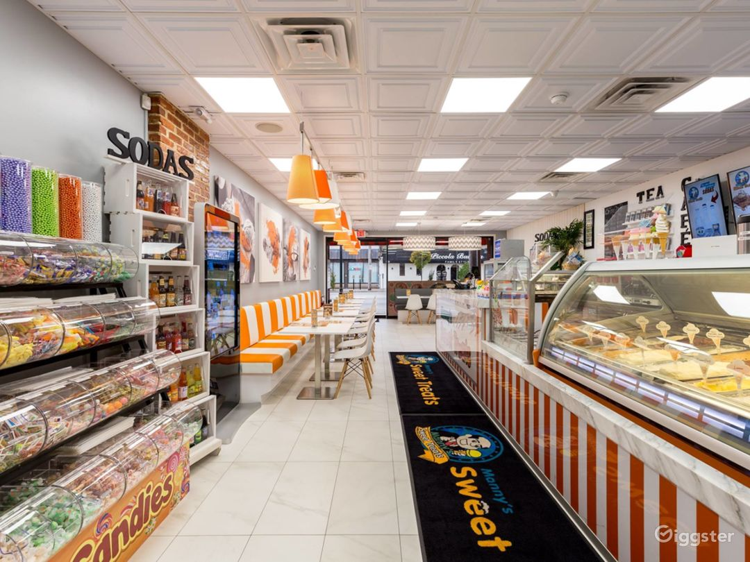 Cafe/Gelato/Crepe/Candy Store Photo 4