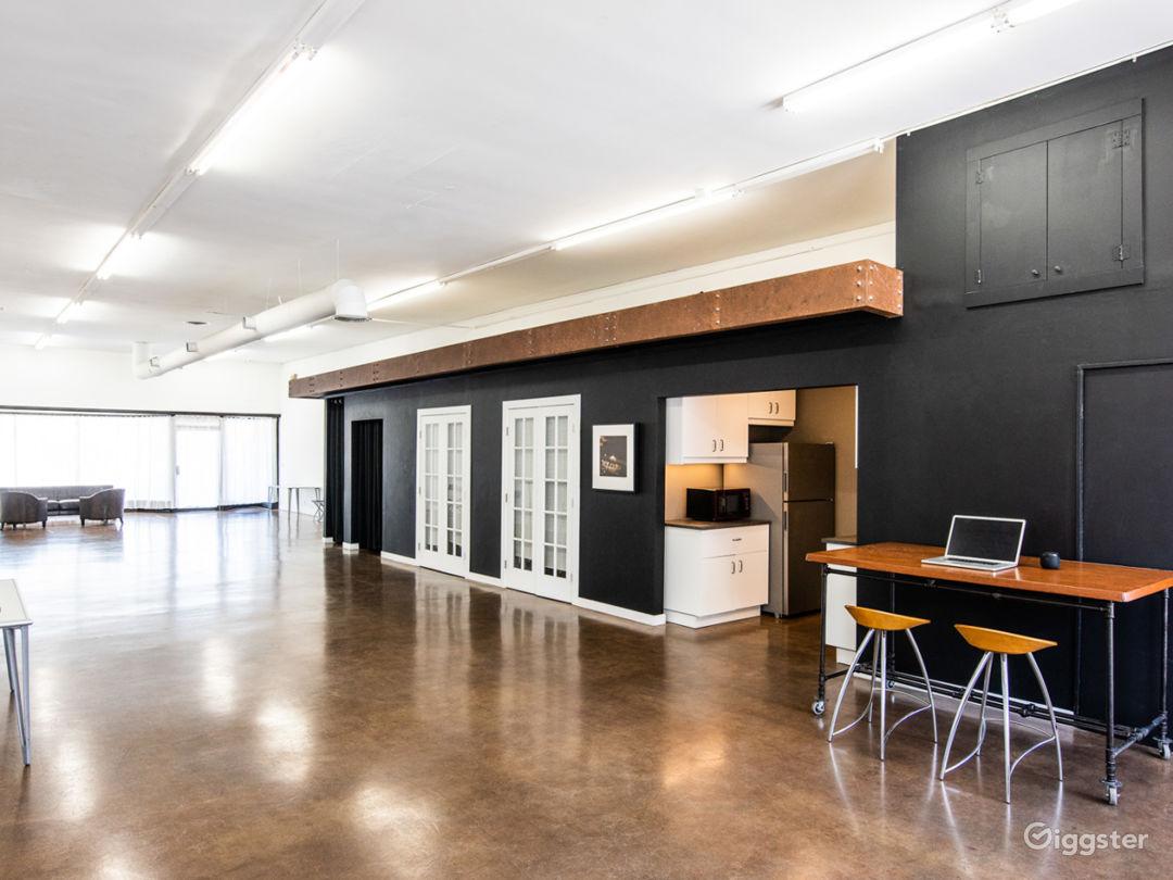 Contemporary 1,900 sq ft Loft-Style Studio Photo 1