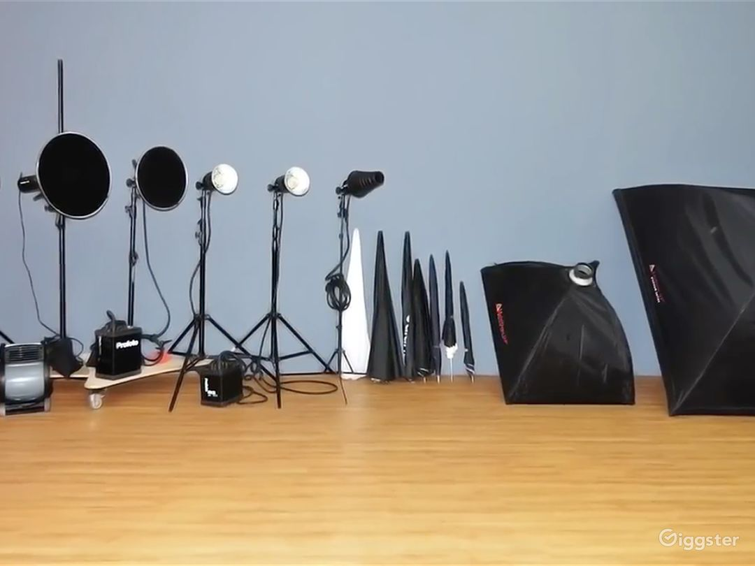 Downtown Oakland's premier Photo and Video Studio  Photo 4