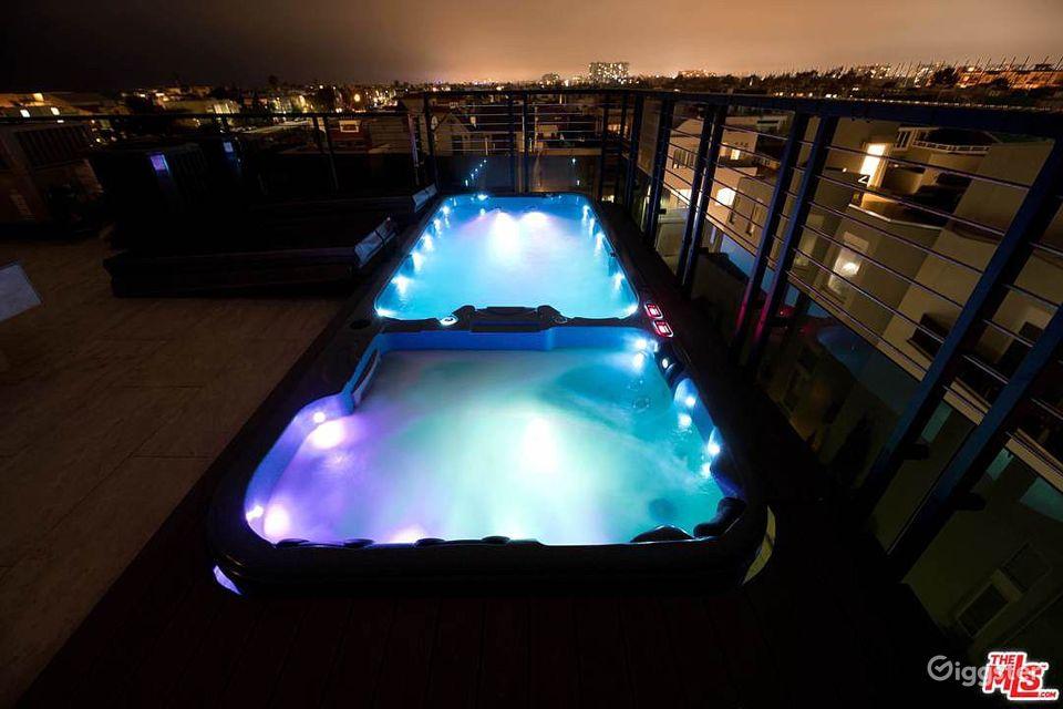 Ultra Modern 5 Story Beach Mansion Los Angeles Rental