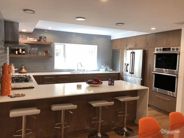 Kitchen facing appliances.