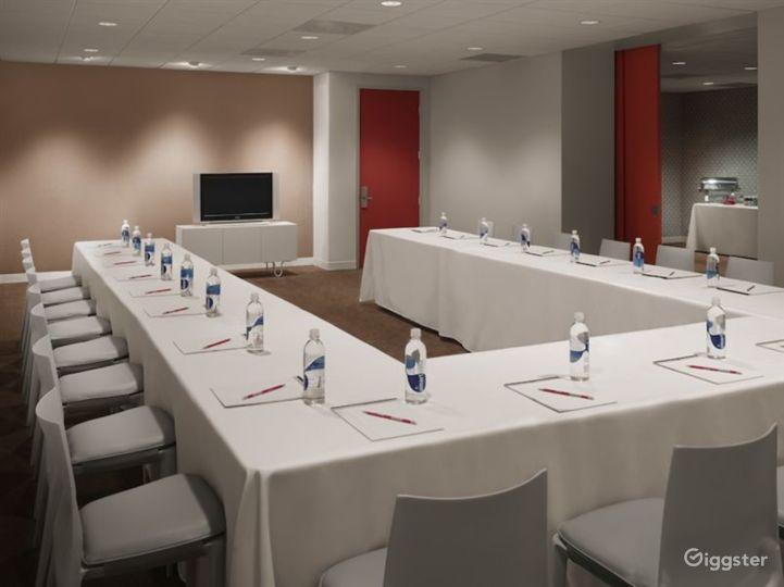 Meeting room in LA Photo 2