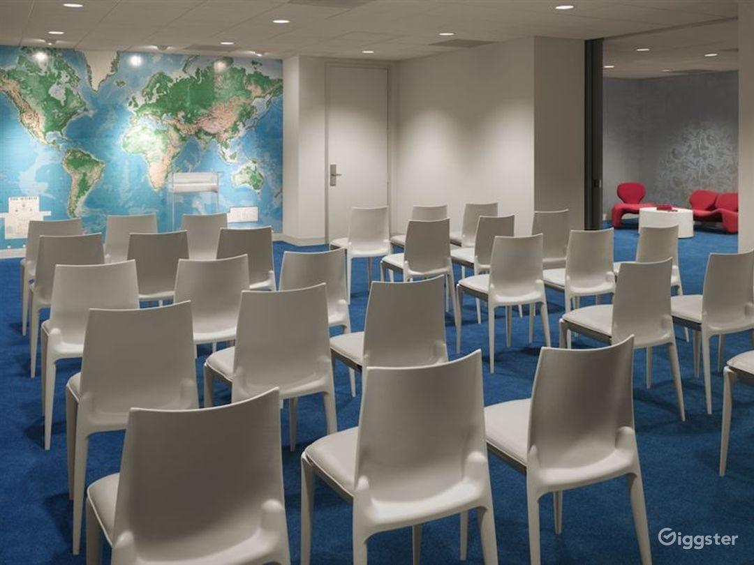 Meeting room in LA Photo 1