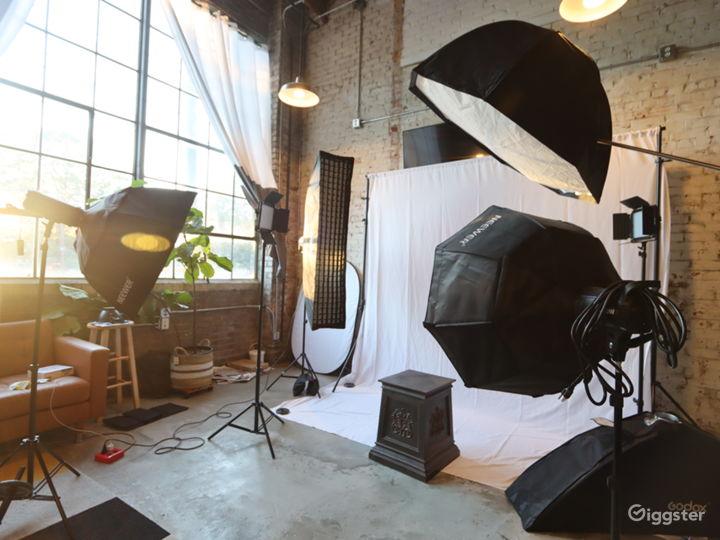 Midtown ATL Comfy Loft Studio with Natural Light