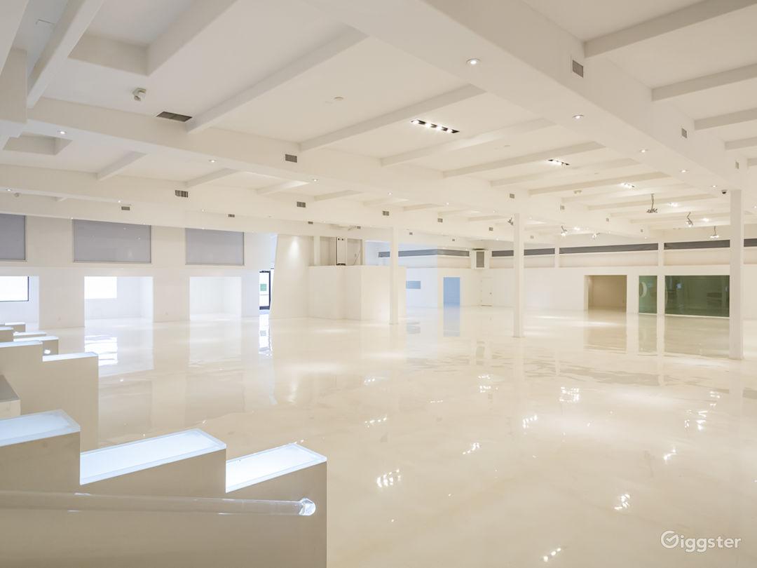 Mega White Warehouse & Office Photo 1