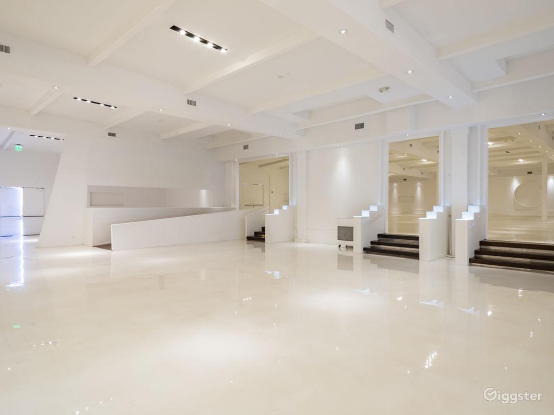 Mega White Warehouse & Office Photo 4