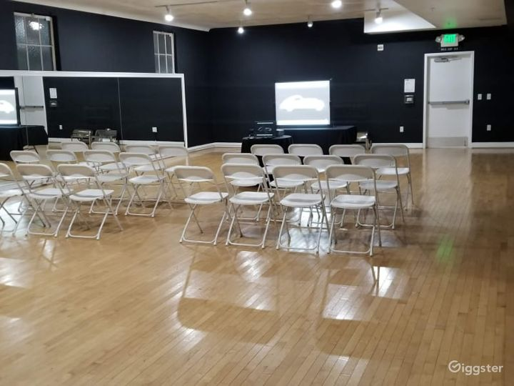 Large Studio with Elegant Charm Photo 3