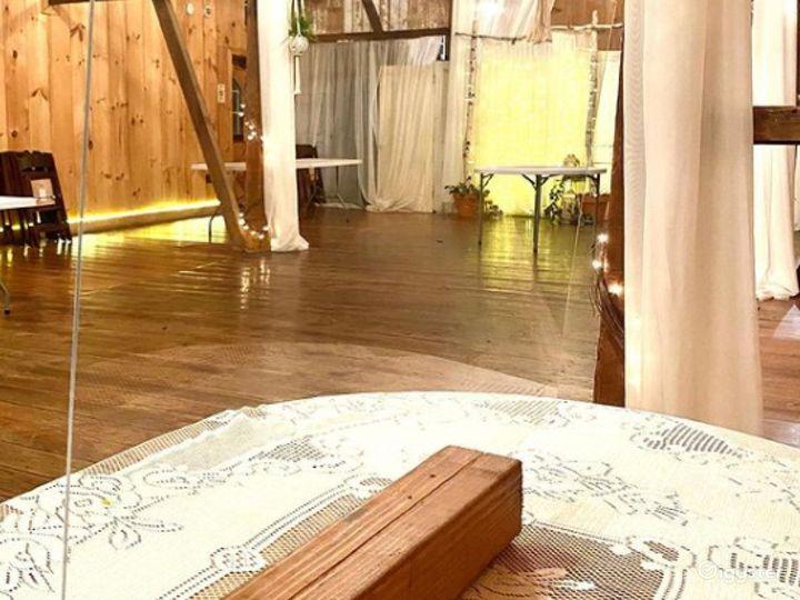 Historic Indoor Barn Venue Photo 3