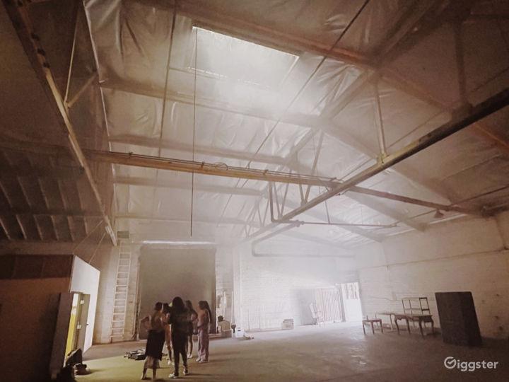 HUGE warehouse with black cyclorama wall Photo 2