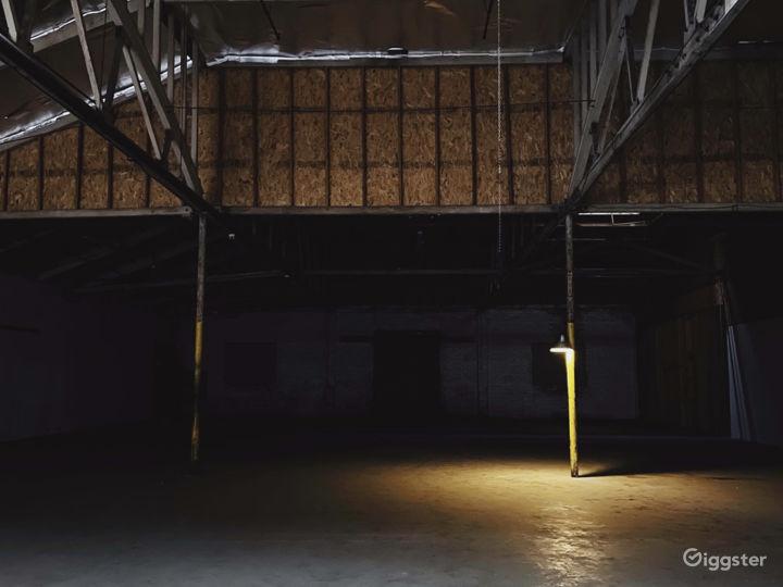 HUGE warehouse with black cyclorama wall Photo 3