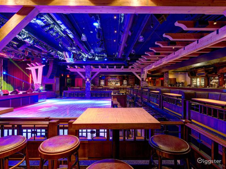 Fantastic Saloon Room in Anaheim Photo 3