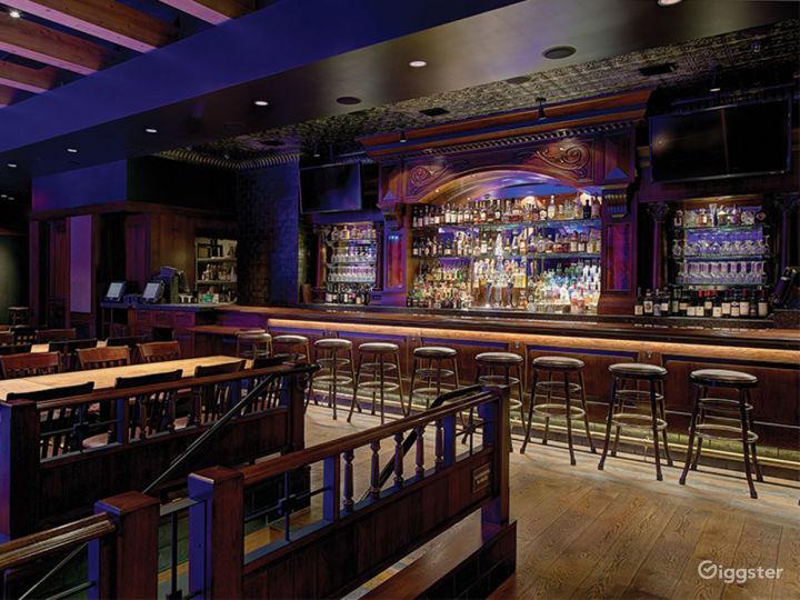 Fantastic Saloon Room in Anaheim Photo 2