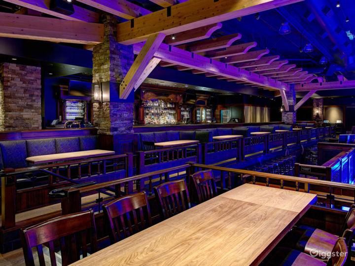 Fantastic Saloon Room in Anaheim Photo 4