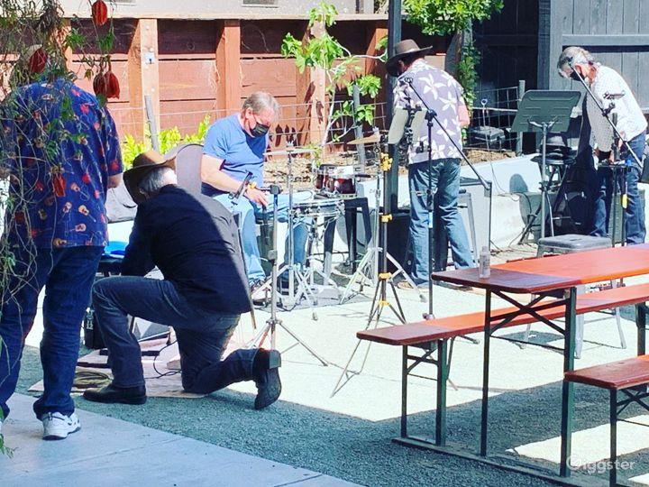 BBQ Smokehouse & Craft Beer Garden in Fairfax Photo 4