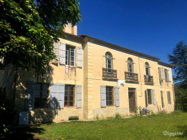 Front of the Maison Maitre