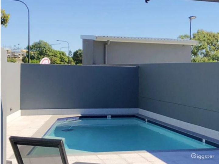 Great Outdoor Pool and Spot on the Sun Lounge Photo 3